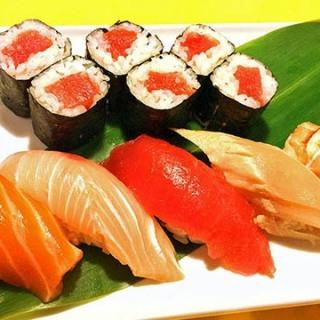 assorted-sushi